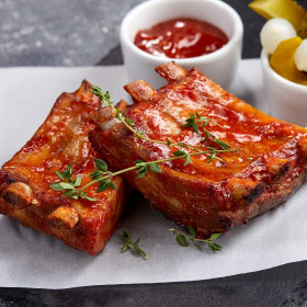 Свиные ребра с пикантным соусом Барбекю